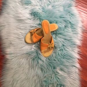 Yellow with line green heels leather upper